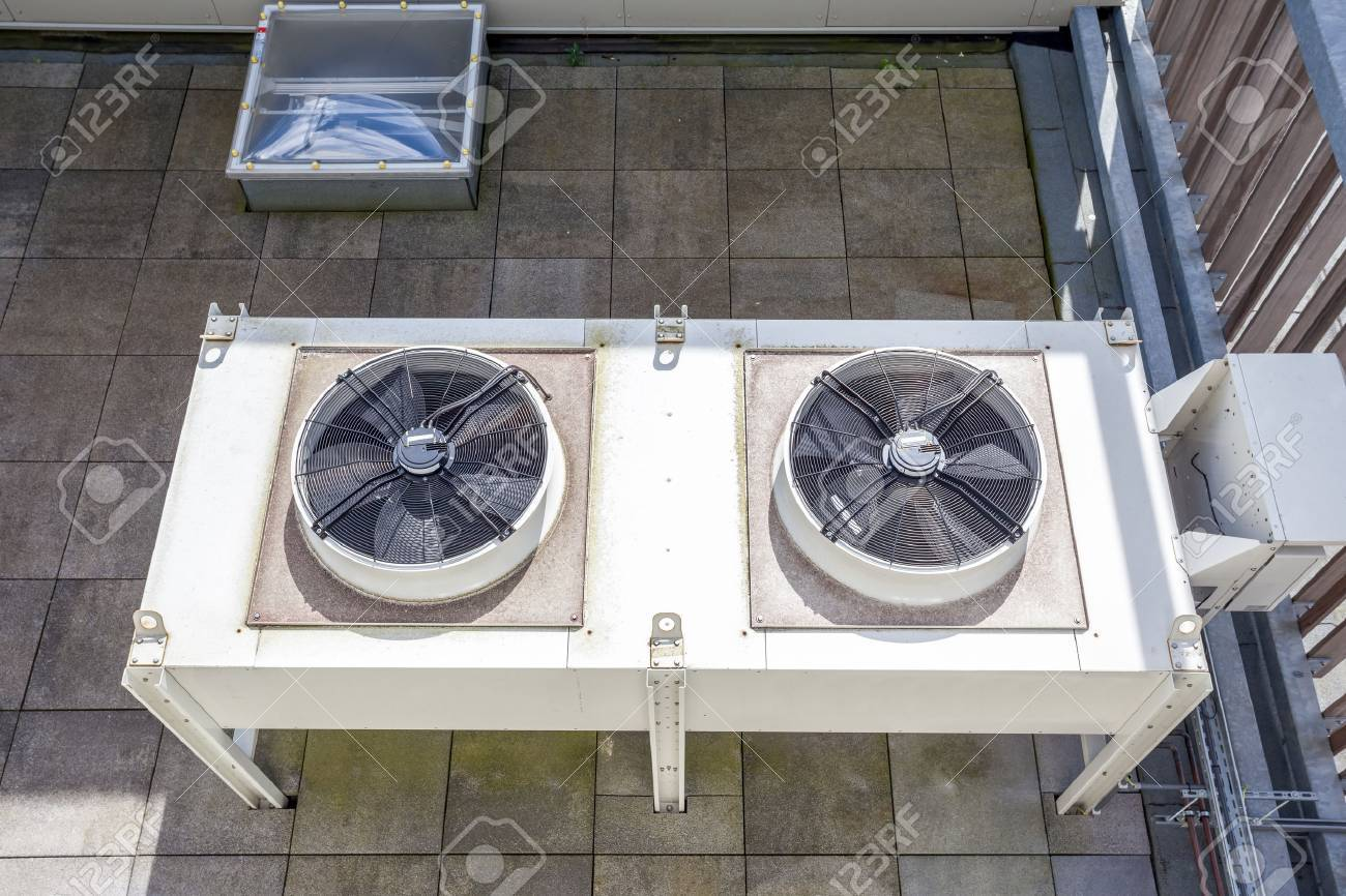 on an flat roof there cooling air conditioning - 58534521