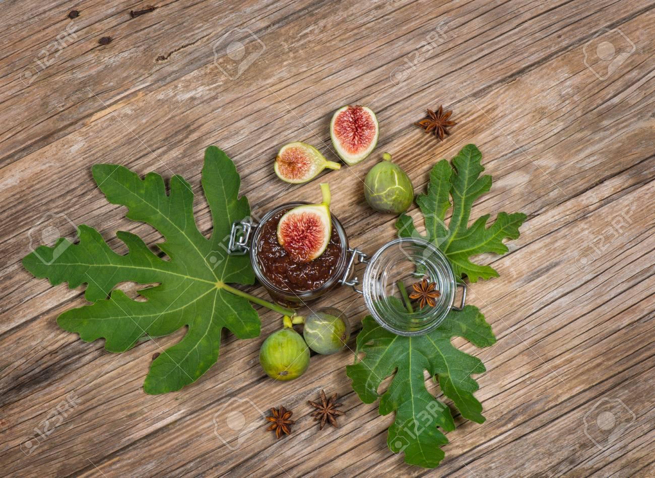 Vista Superior De Mermelada De Higos En Una Preservacin De Frutas