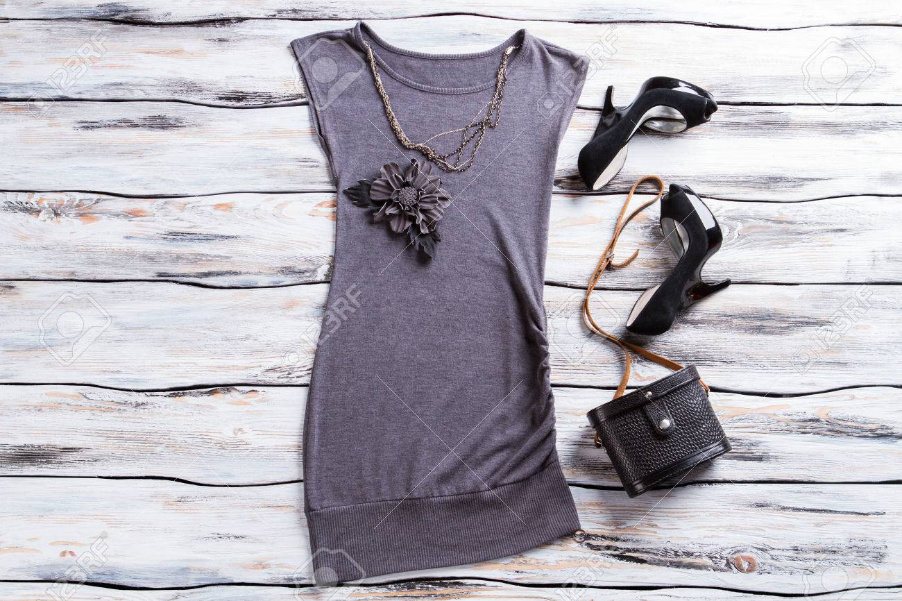 Gray evening top and necklace flower applique top with bag