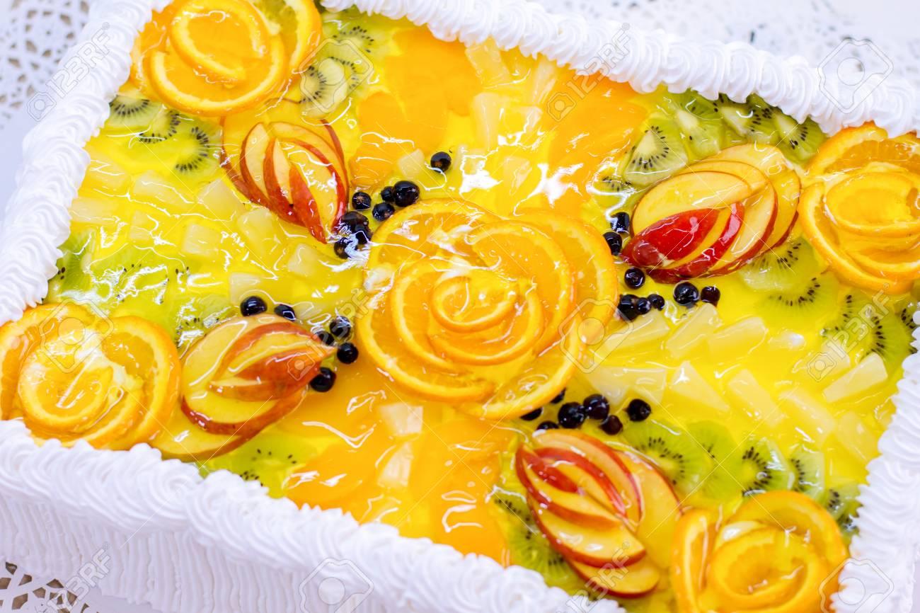 Enjoyable Cake With Fruits And Jelly Sliced Orange And Kiwi Top View Personalised Birthday Cards Akebfashionlily Jamesorg
