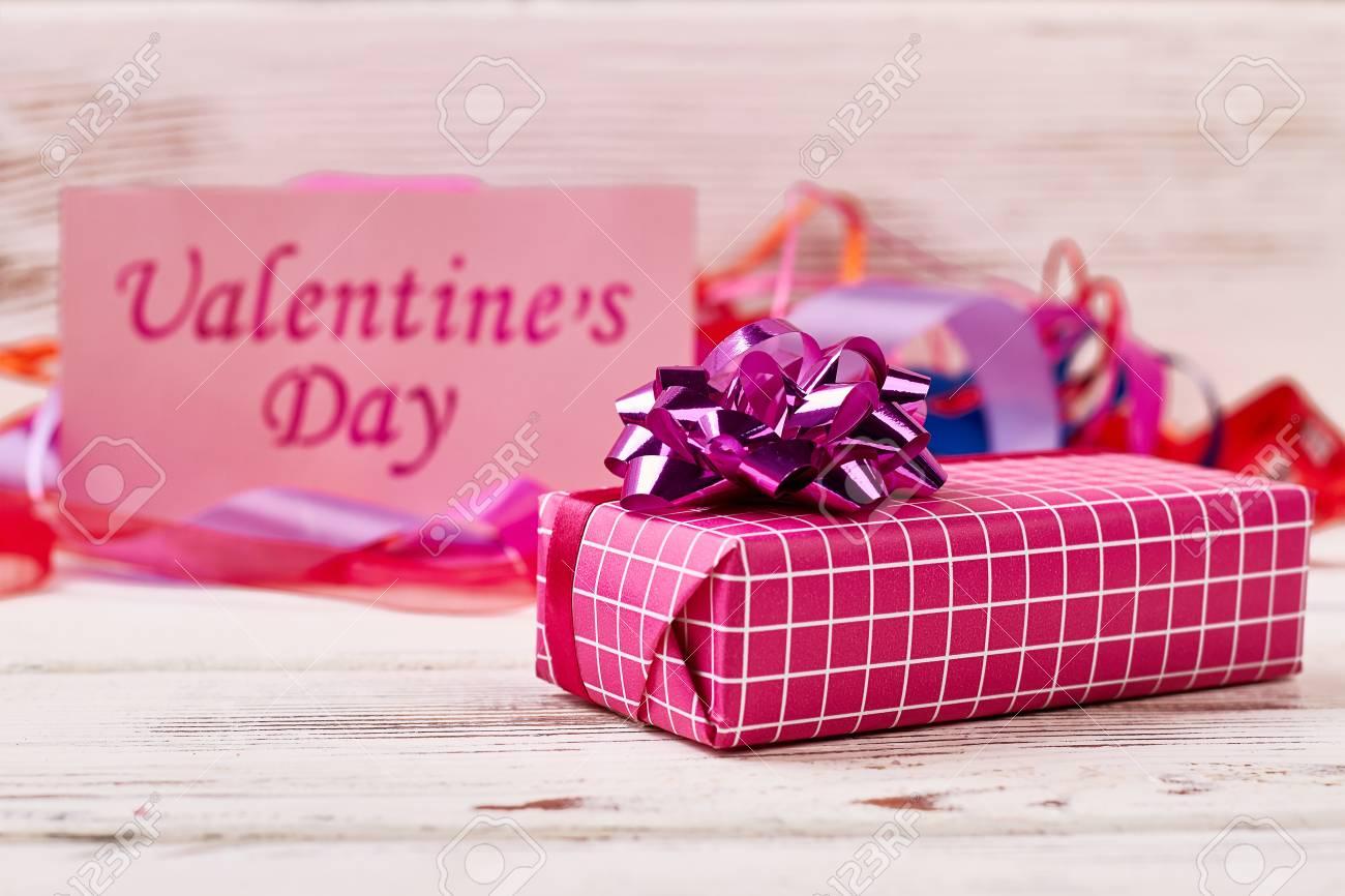Scatola Regalo San Valentino.Scatola Regalo Di San Valentino Biglietto Di Auguri E Nastri La Relazione E Basata Sull Amore