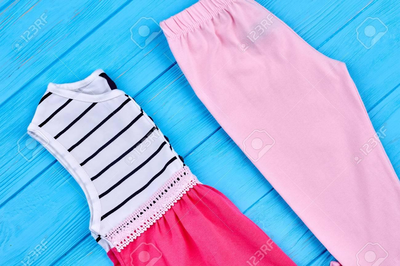 new concept b85c5 8c31e Vestiti estivi in ??cotone per bambina. Collezione di abbigliamento di alta  qualità per bambine. Abbigliamento estivo per bambini in vendita.
