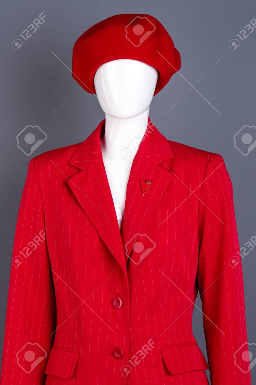 0b64539b1464f Female mannequin in red beret and jacket. Red french beret and..