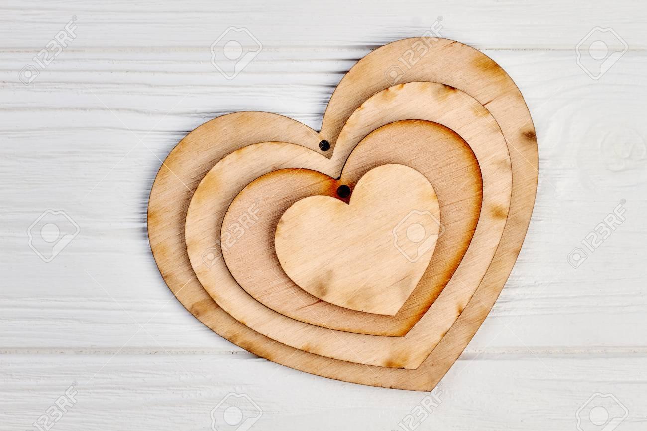 Decorative Wooden Heart Shape Craft Tags Plaques Wooden Ornaments