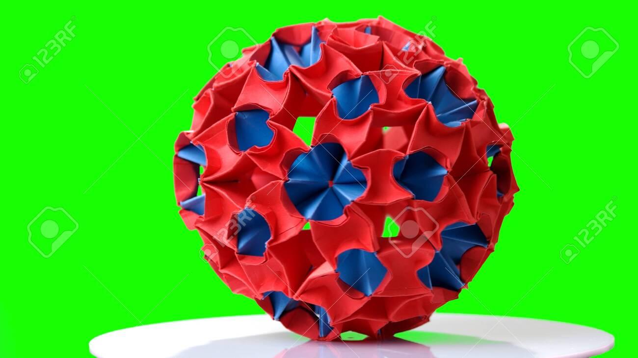 Chinese paper folding - Wikipedia | 731x1300