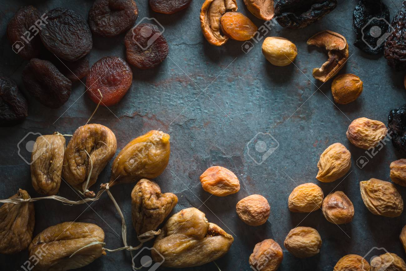 Rahmen Von Getrockneten Früchten Getrocknete Aprikosen, Feigen Und ...