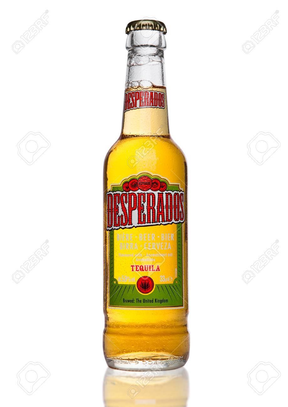 London Grossbritannien 2 Januar 2017 Flasche Desperados Bier Auf Schwarzem Hintergrund Lagerbier Mit Tequila Gewurzt Ist Ein Beliebtes Bier Von Heineken Produziert Und In Mehr Als 50 Landern Auf Der Ganzen