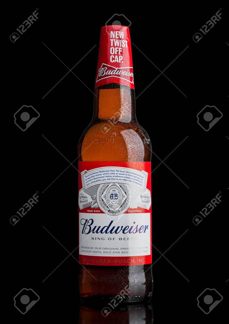 ロンドン、イギリス - 2017 年 3 月 21 日: ボトルのバドワイザー ...