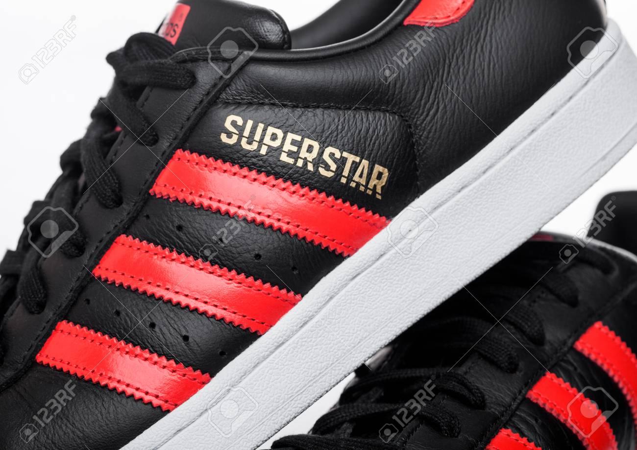 Adidas originals Superstar | Courir