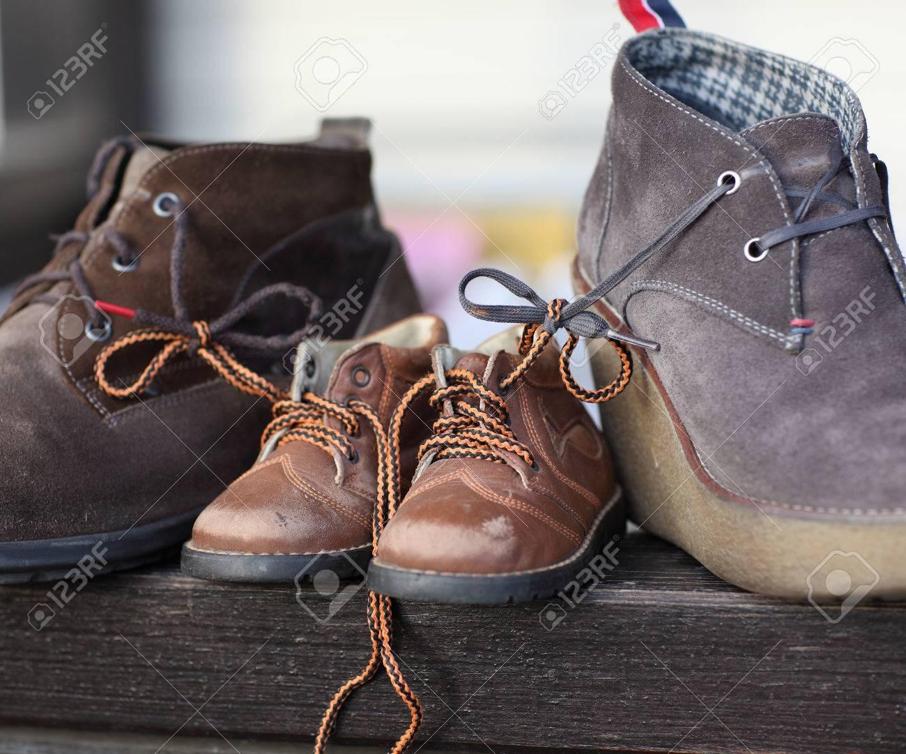 Chaussures Le Ensemble Et Attachés Maman Fils Papa Symbole De B1B4Pxwrq