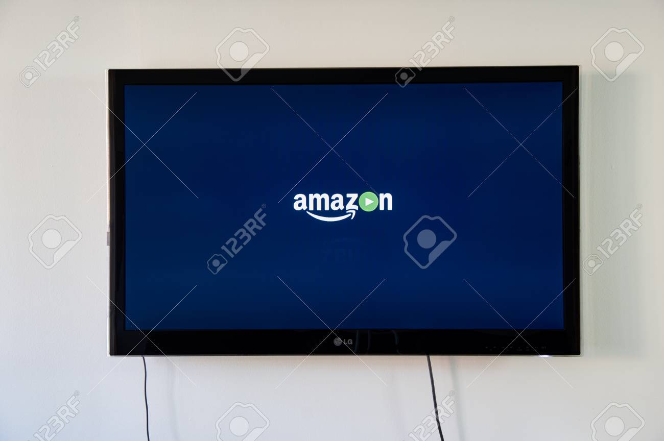 b33ffee72801 Montreal, Canada - 15 novembre 2017: Amazon primo video logo su LG TV.  Amazon Prime Video è il componente di streaming video di Amazon Prime.