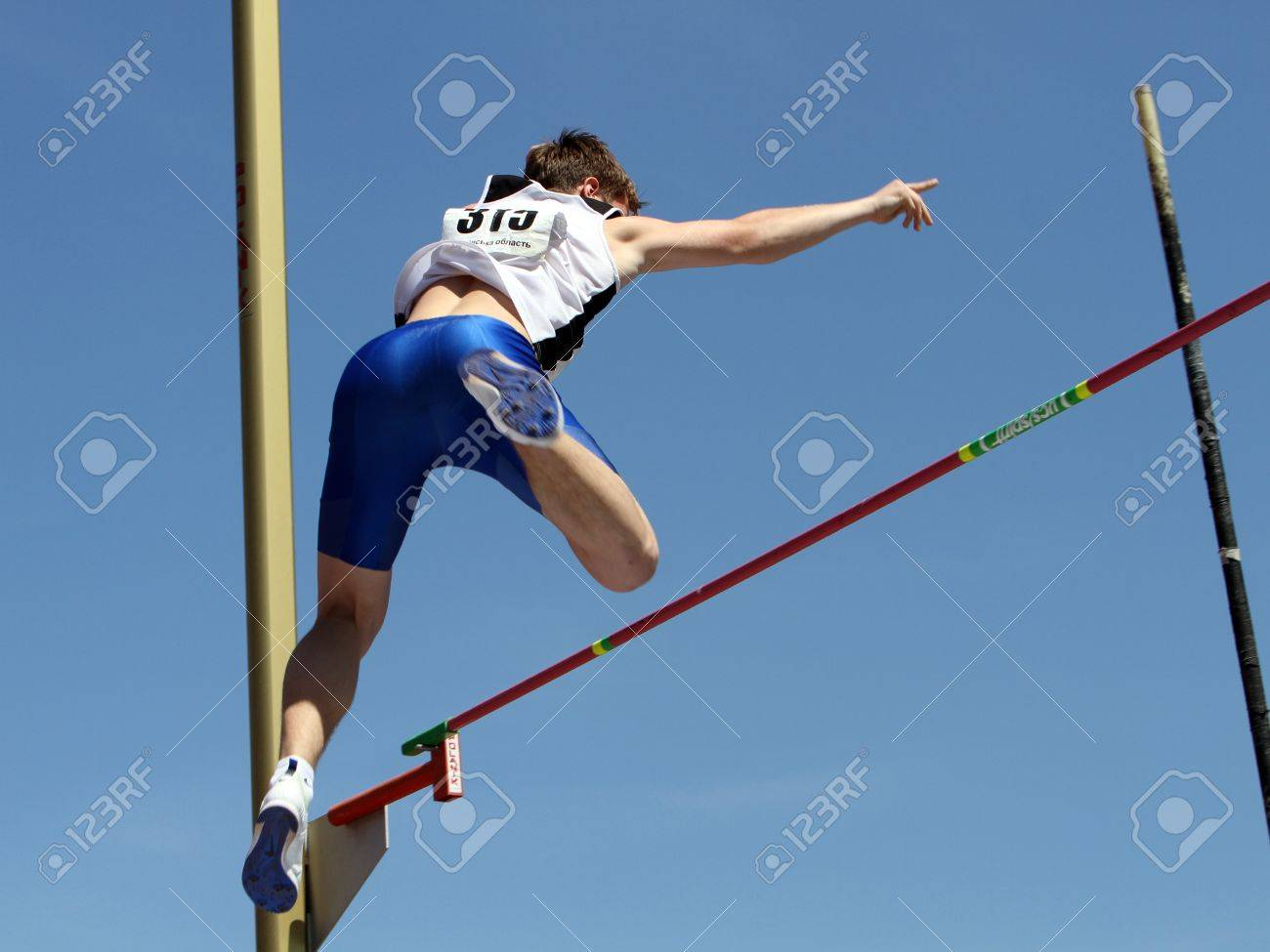 YALTA, UKRAINE - APRIL 25  Kononihin Aleksandr compete in the pole vault competition for boys age 16-17 on Ukrainian Junior Track and Field Championships on april 25, 2012 - Yalta, Ukraine   Stock Photo - 13436642
