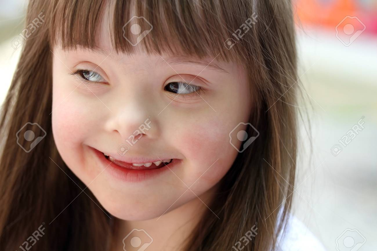 Portrait of beautiful young girl Stock Photo - 13615816