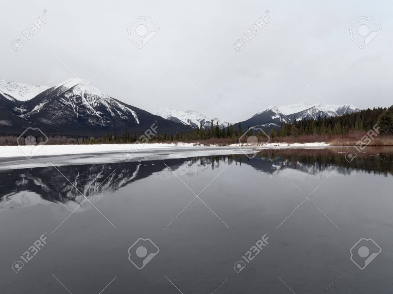 Winter landscape, Banff National Park, Alberta, Canada Stock Photo - 7193599