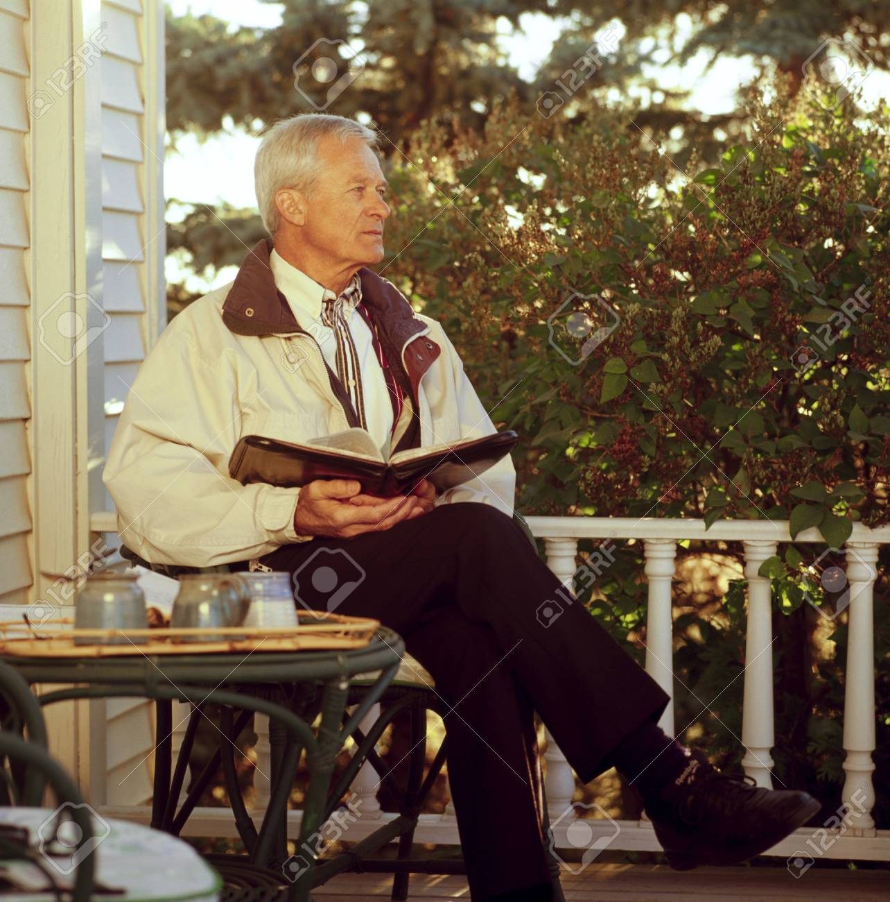 Man looking away while having devotions Stock Photo - 7209118