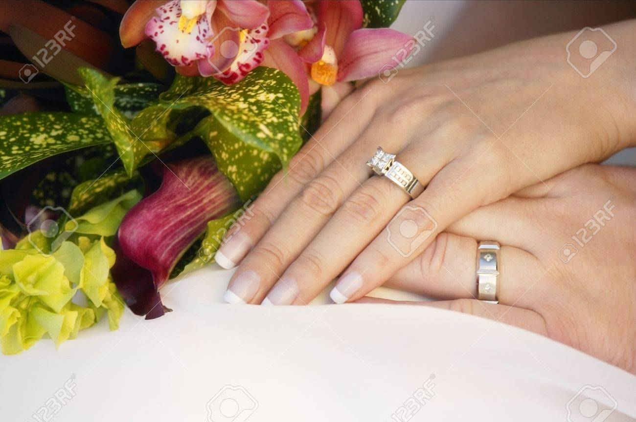 Wedding couples hands Stock Photo - 7559276