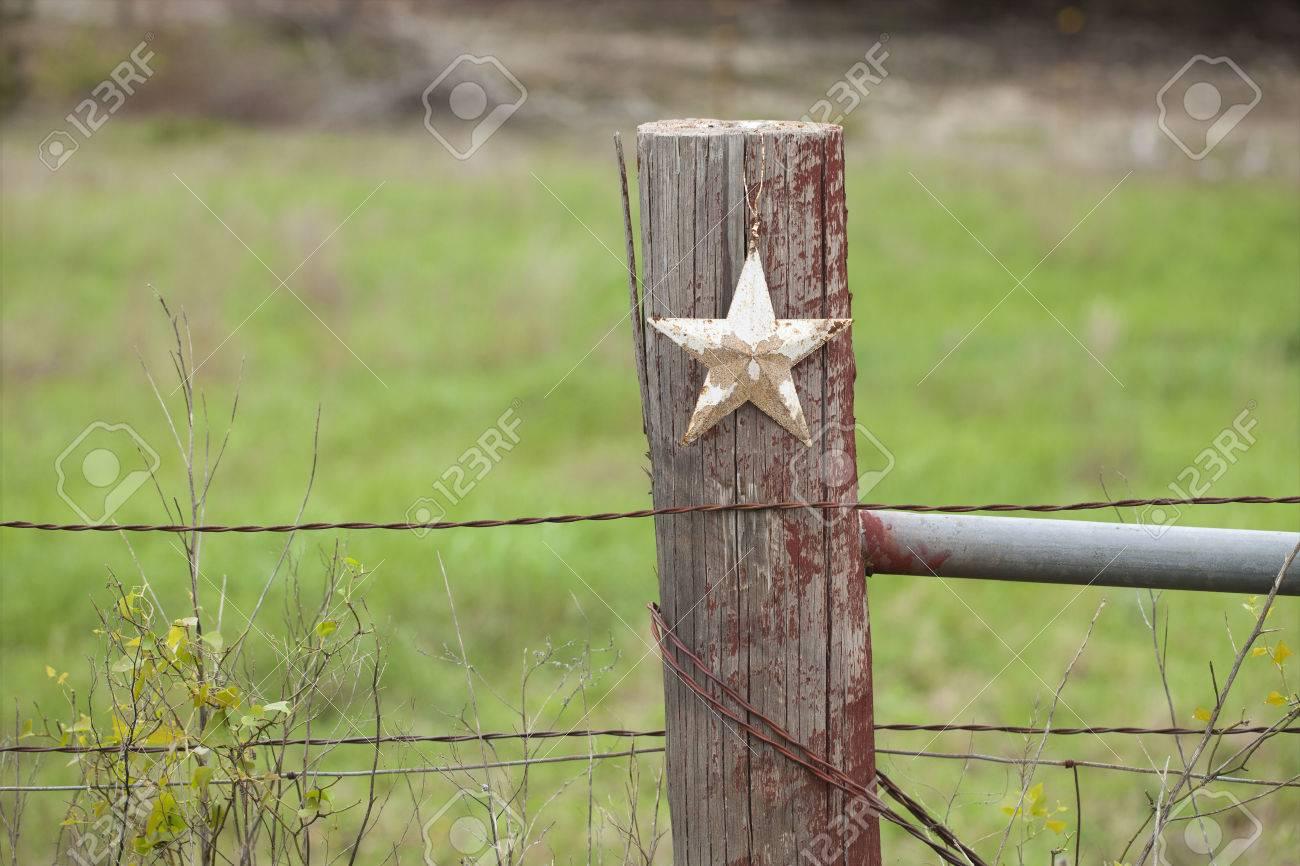 Ein Selektiver Fokus Ansicht Eines Grungy Weißer Stern Auf Einem ...
