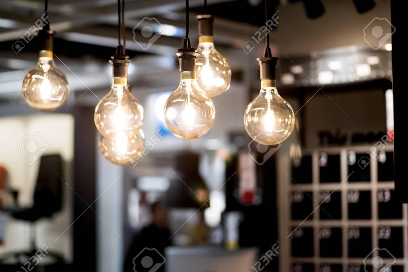 Energiesparkonzept Led Lampen Im Buro Lizenzfreie Fotos Bilder Und