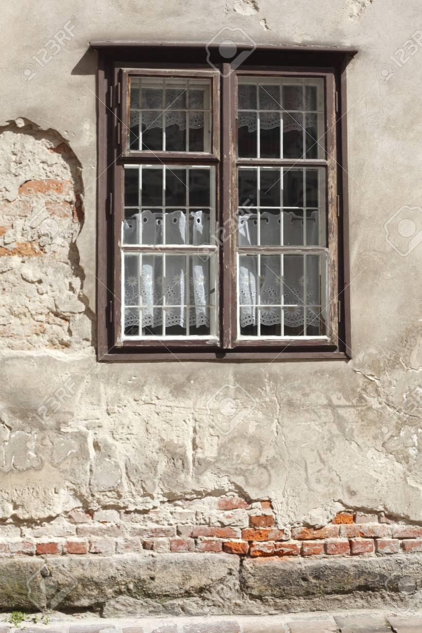 古い家の壁、クラクフ マウォポ...
