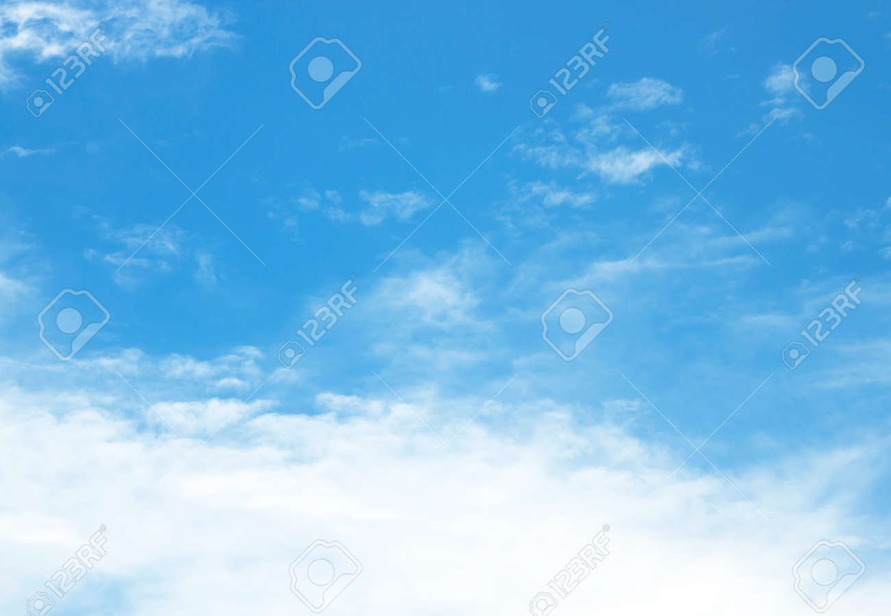 The vast sky and the beautiful white clouds - 130035068