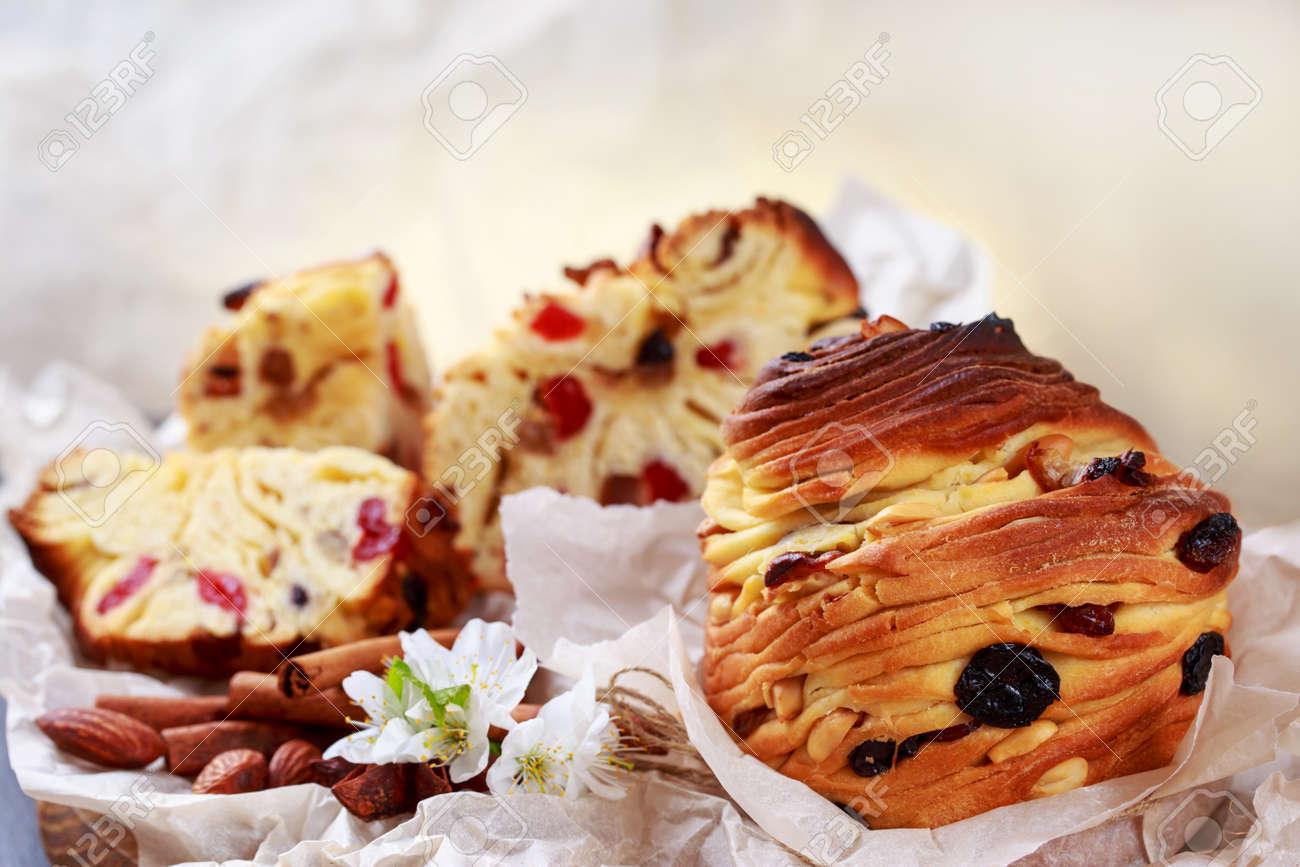 Large caffeine with raisins and cinnamon sticks - 155944325
