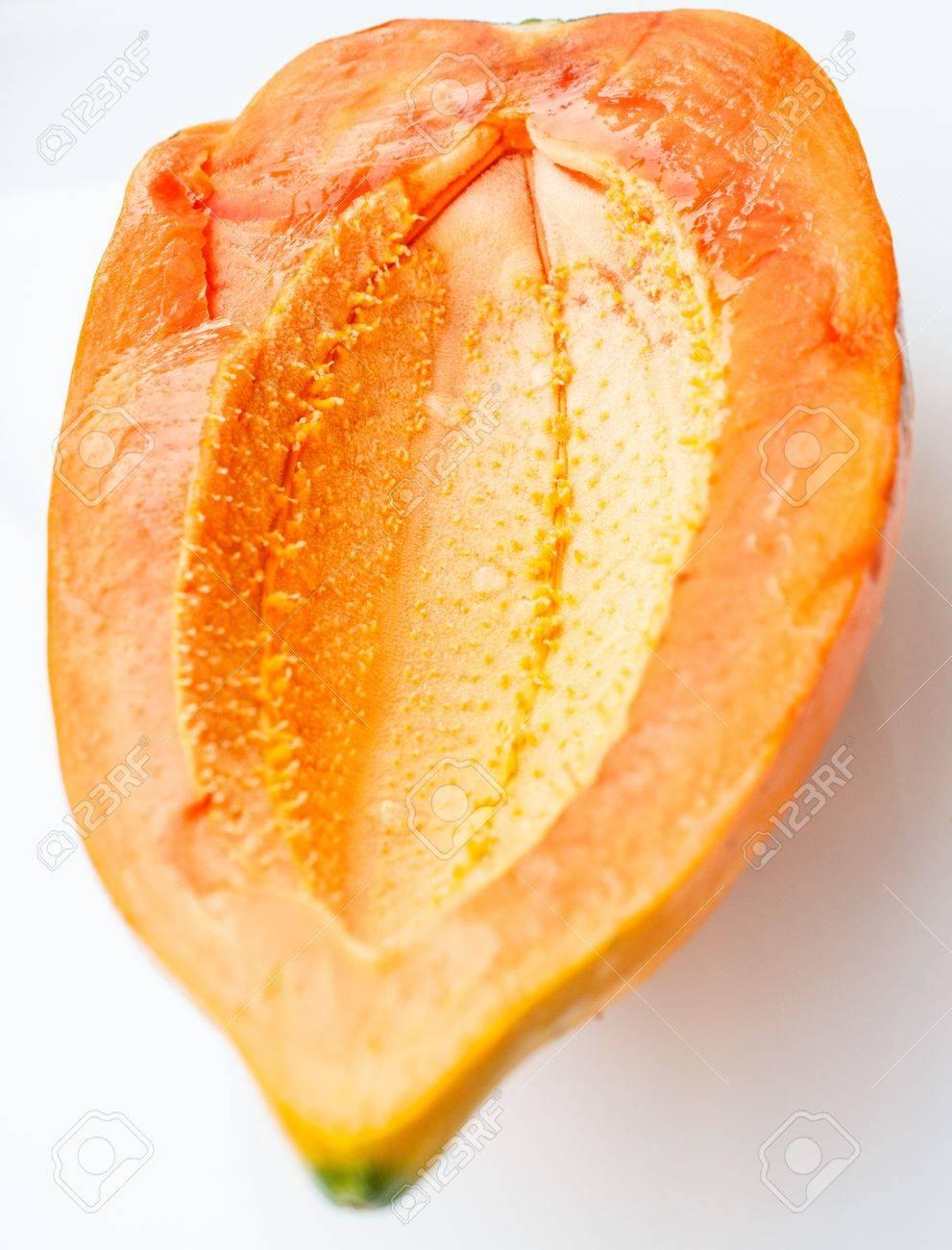 Ripe papaya peel it and eat Stock Photo - 18691547