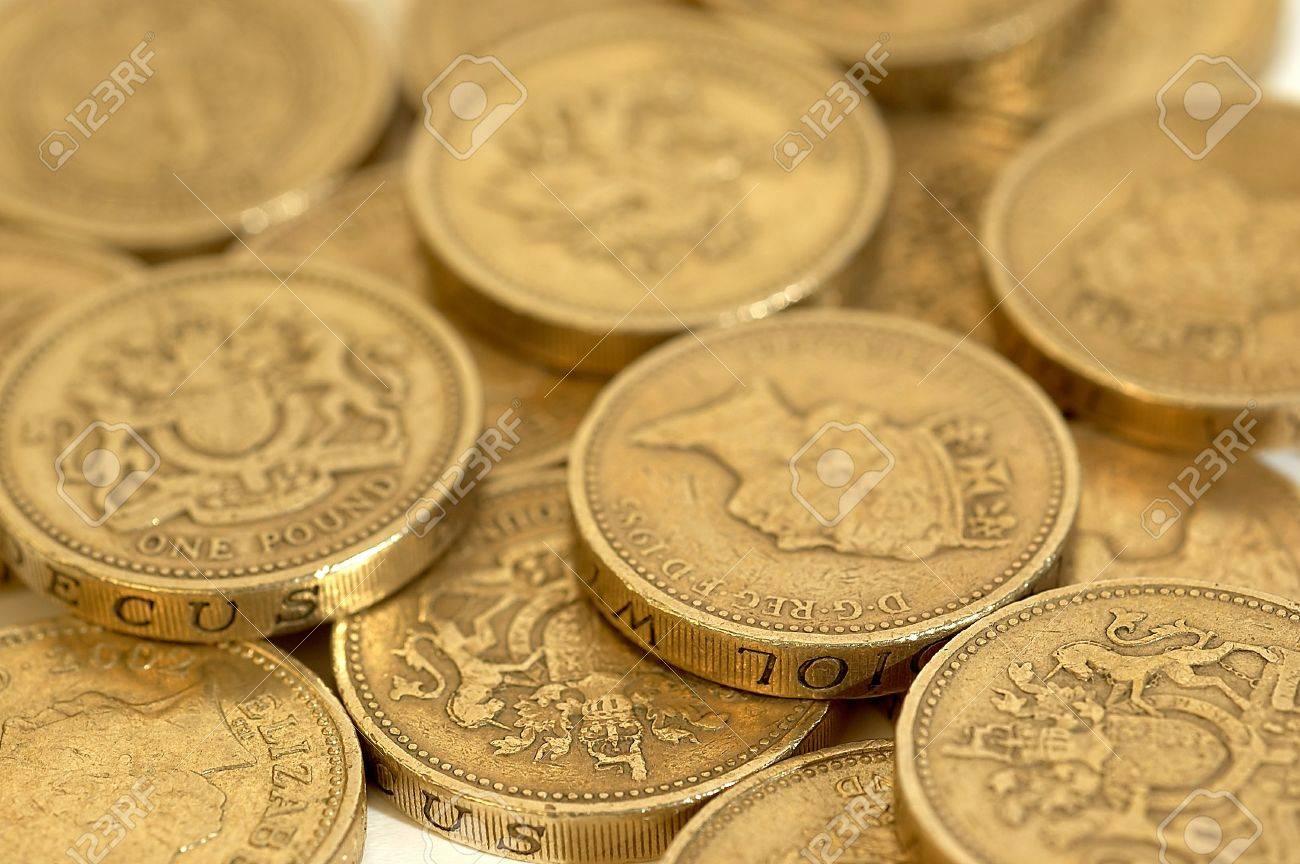 Englische Pfund Münzen In Nahaufnahme Lizenzfreie Fotos Bilder Und