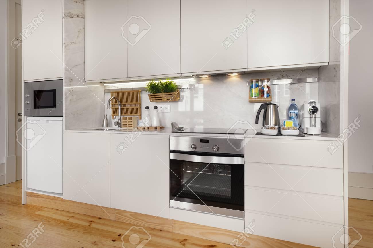Módulo De Cocina Con Pisos De Madera