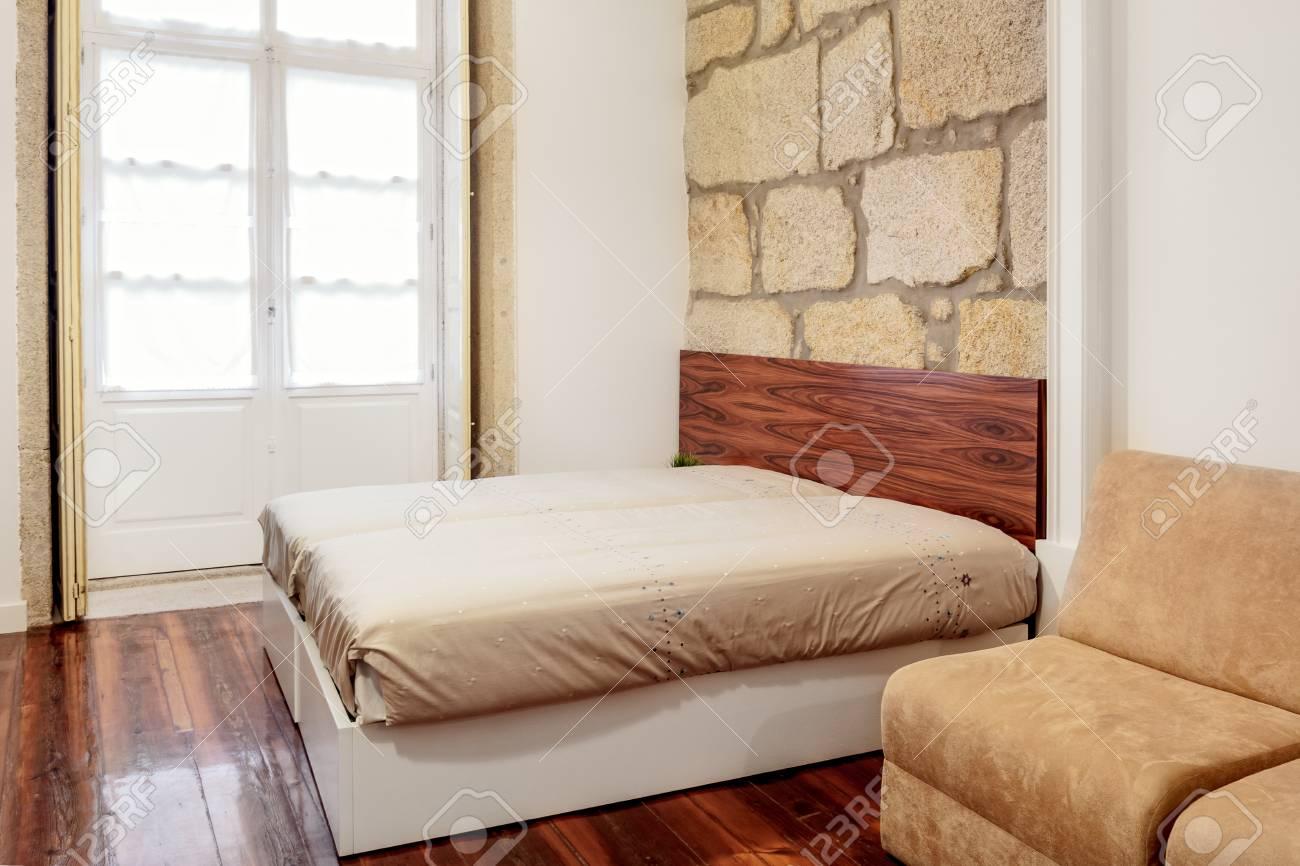 Fußboden Schlafzimmer Komplett ~ Schlafzimmer suite mit hartholz fußböden und granit mauer
