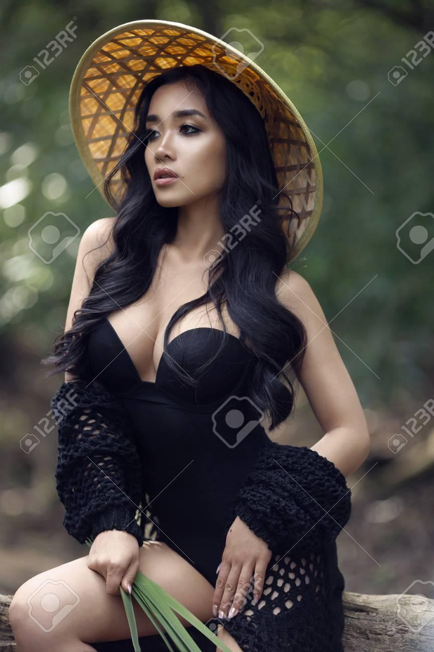Sesamstraßent-shirts für Sexy vietnamesisches Mädchen total