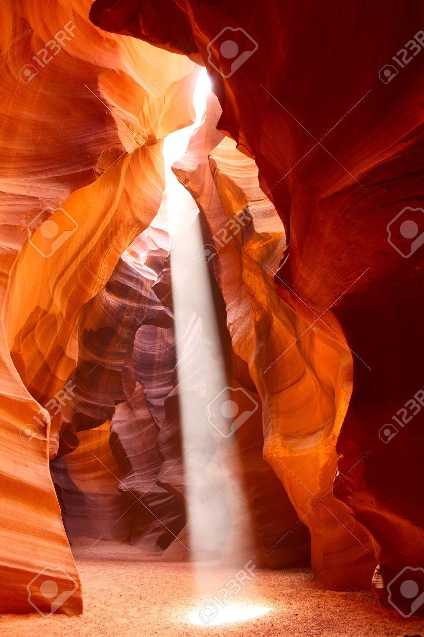 Sunbeam in Upper Antelope Canyon, Arizona, USA Stock Photo - 10649499