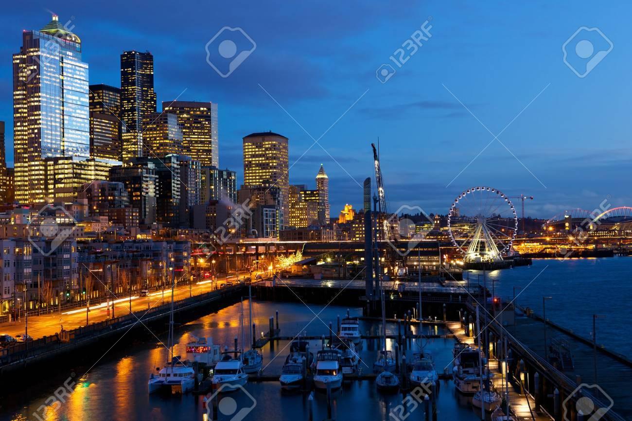 Seattle skyline, waterfront and Great Wheel at dusk, WA Stock Photo - 17969603