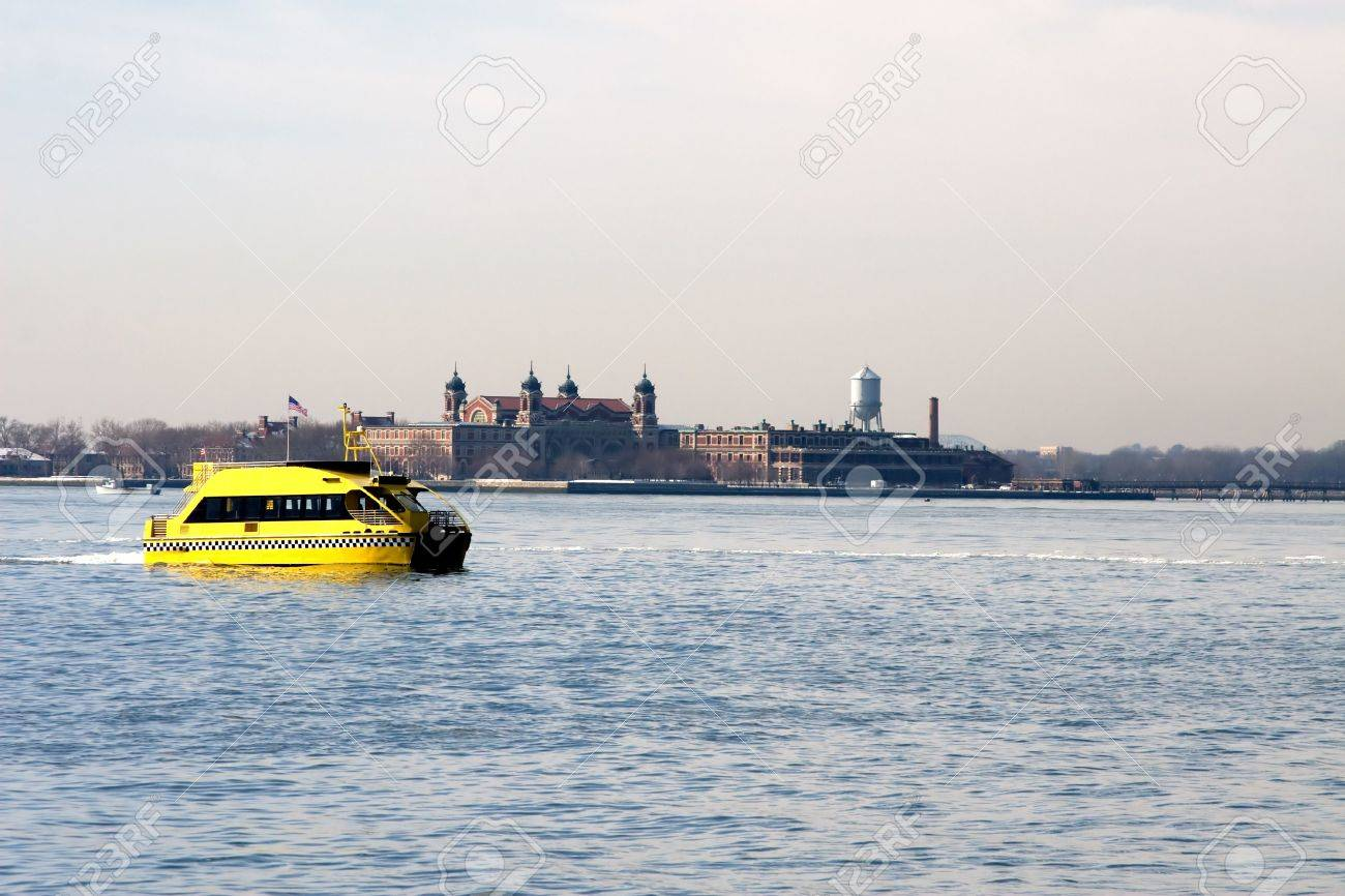 New York Harbor Statue of Liberty and Ellis Island Stock Photo - 4585058