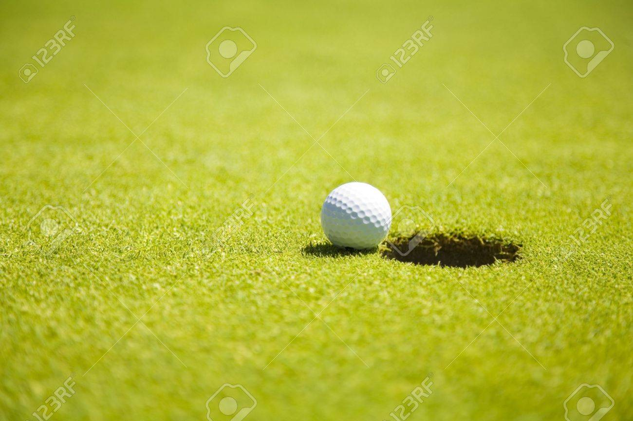 Golf club: ball close to the 18th hole Stock Photo - 1158448