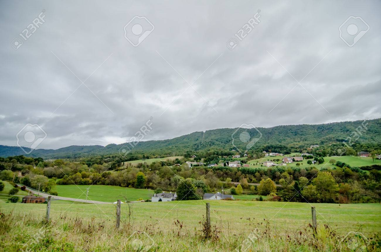 mountain landscapes in virginia state around roanoke Stock Photo - 22910466