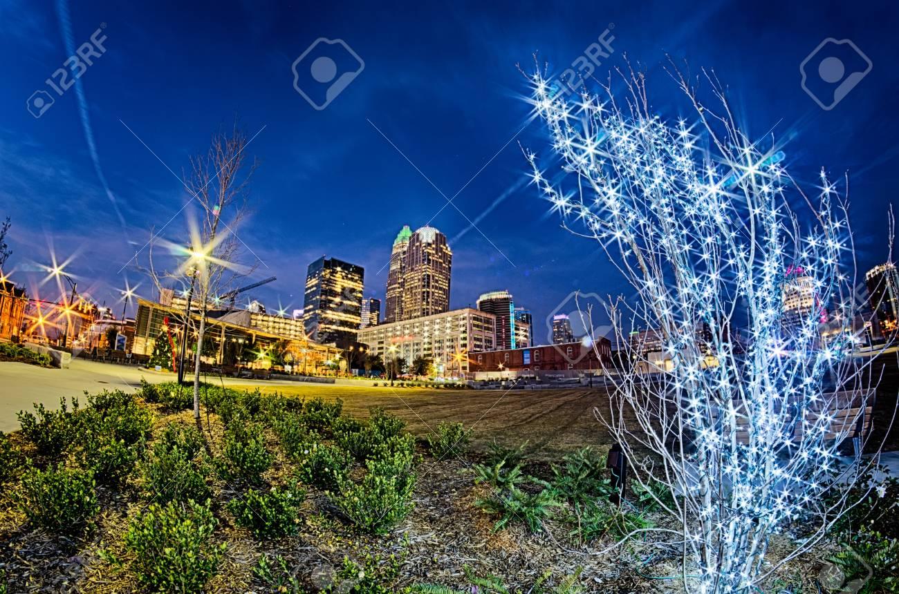 Downtown City Charlotte North Carolina Dekoriert Für Weihnachten ...