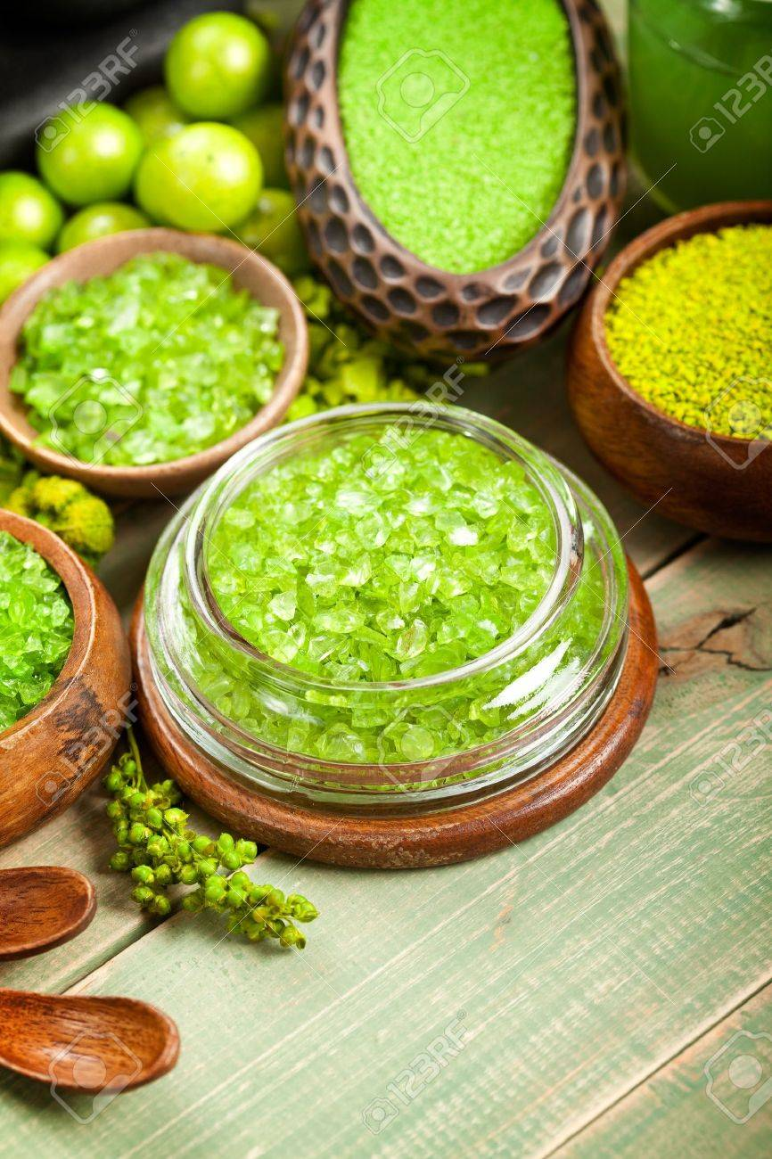 Green bath salt Stock Photo - 10544882