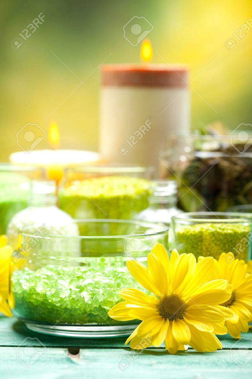 Bath salt, flowers and candles Stock Photo - 10570556