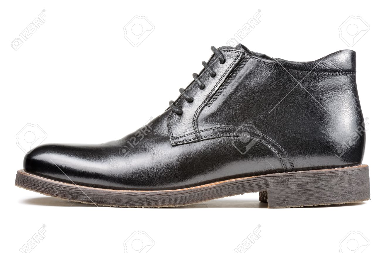 404a89d43b Foto de archivo - Los hombres clásico de zapatos de cuero Negro Aislado  sobre fondo blanco