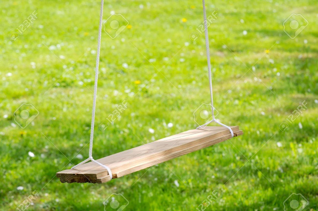 Empty Wooden Garden Swing Stock Photo - 16015785