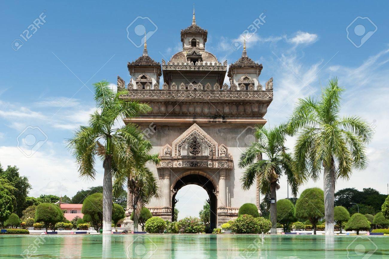 Patuxai in Vientiane - 10552946