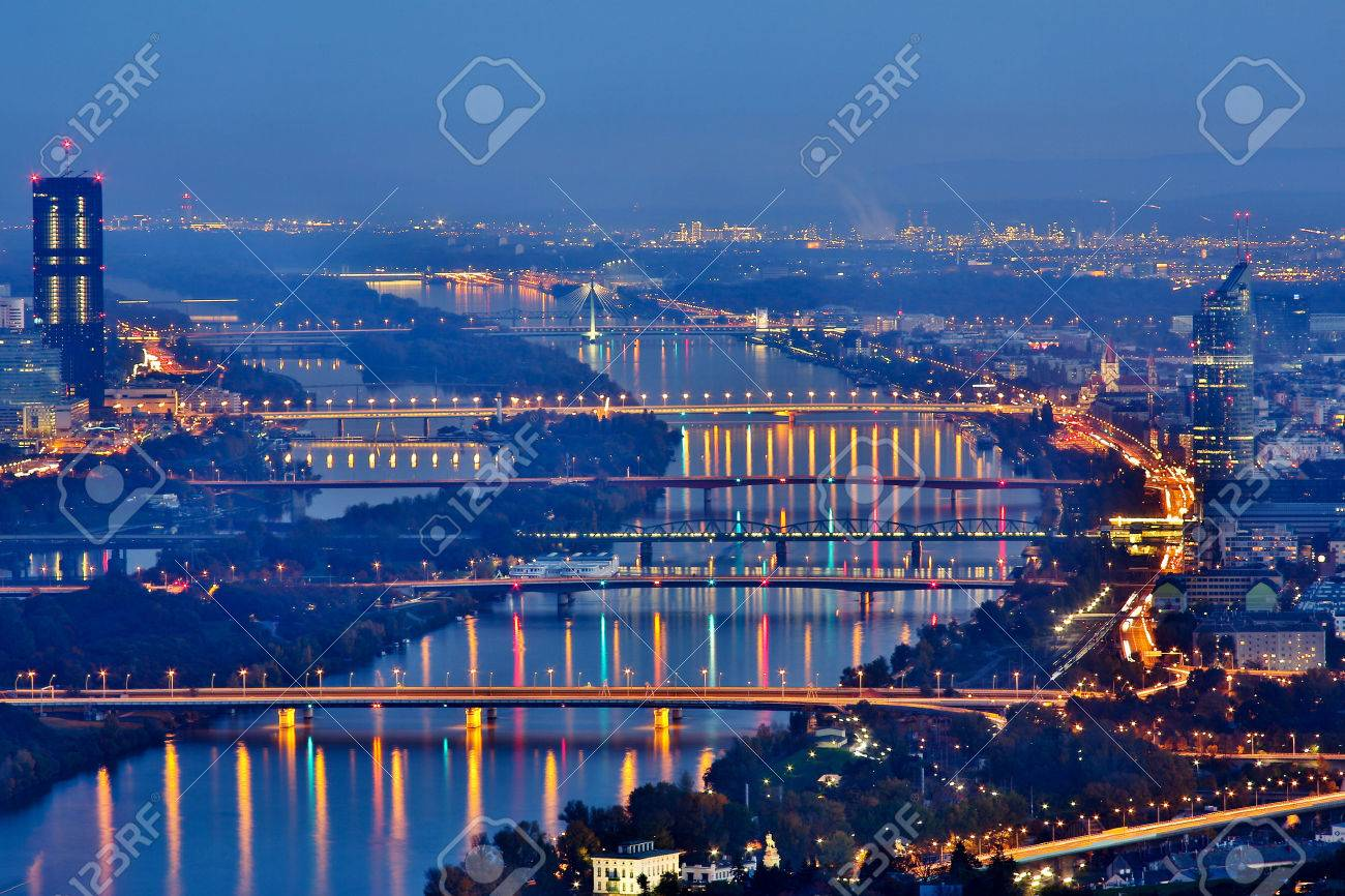 Vienna by night - 23293991