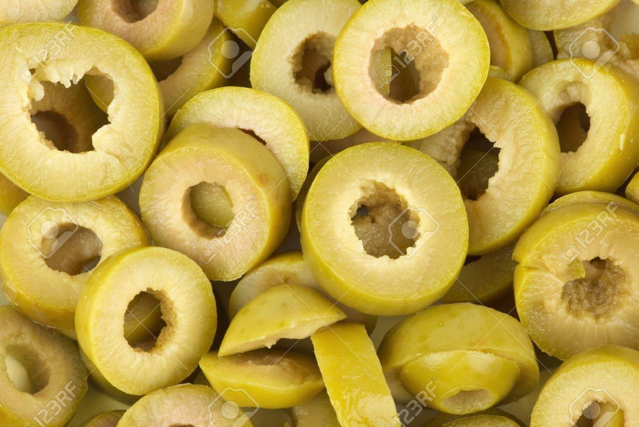 sliced green olives - HD1300×870