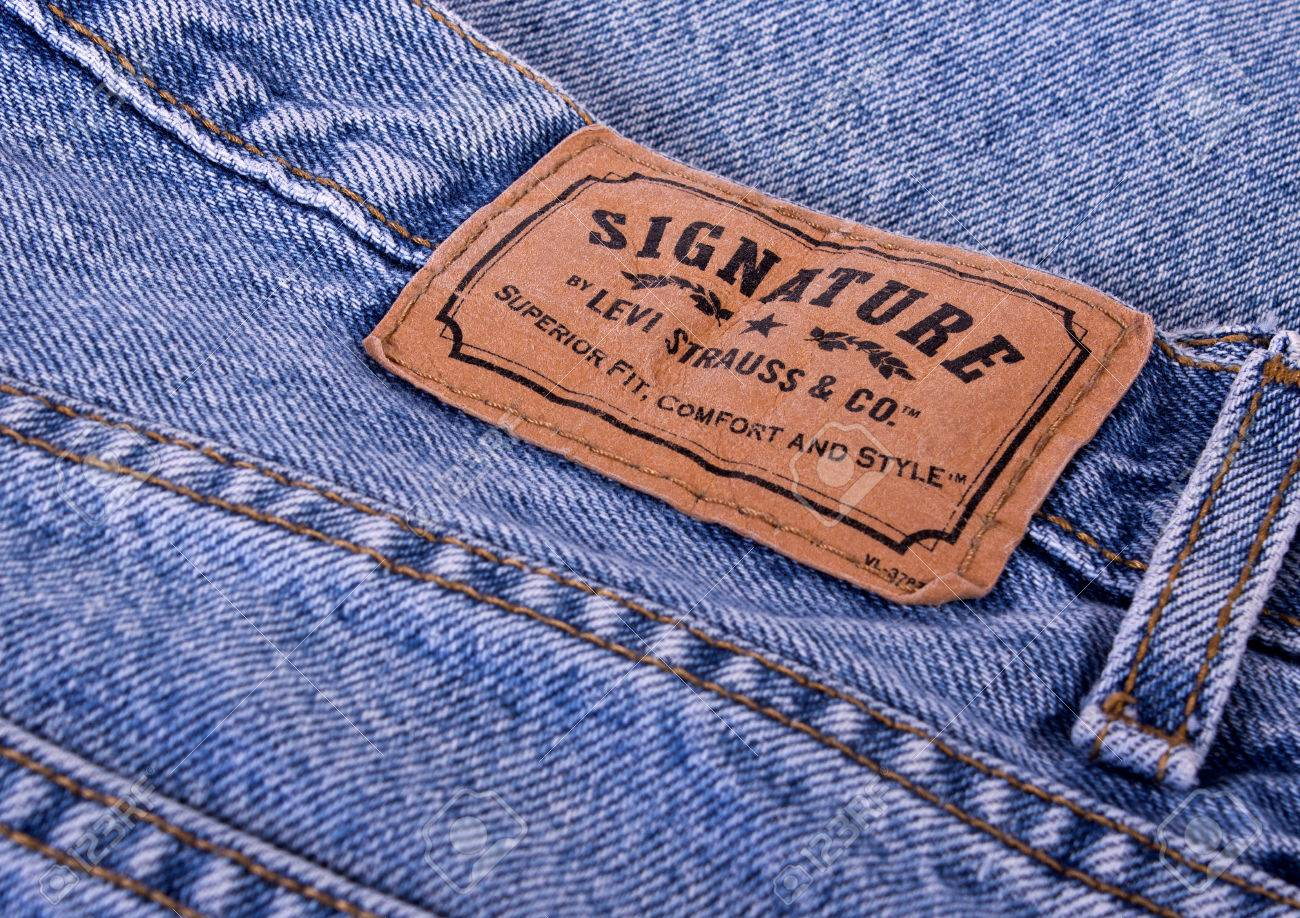 marketing jeans and levi strauss Levi strauss the boss and the yogi who would just as soon lounge around in yoga pants as in jeans on july 8th levi strauss a new marketing strategy.