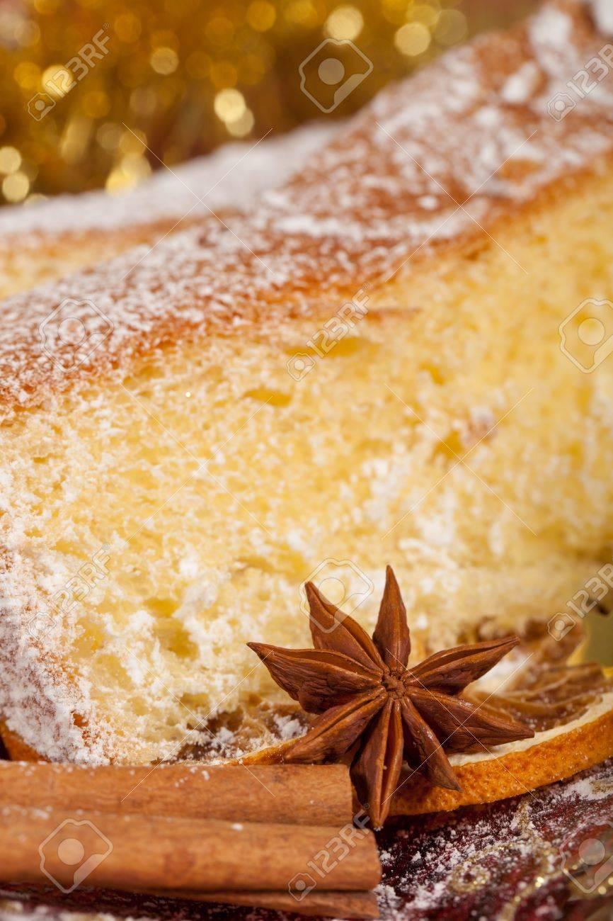 Typisch Italienische Pandoro Kuchen Fur Weihnachtsferien Lizenzfreie