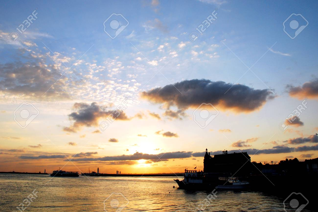 sunset and Haydarpasa Railway Station building,  304;stanbul, Turkey Stock Photo - 16619510