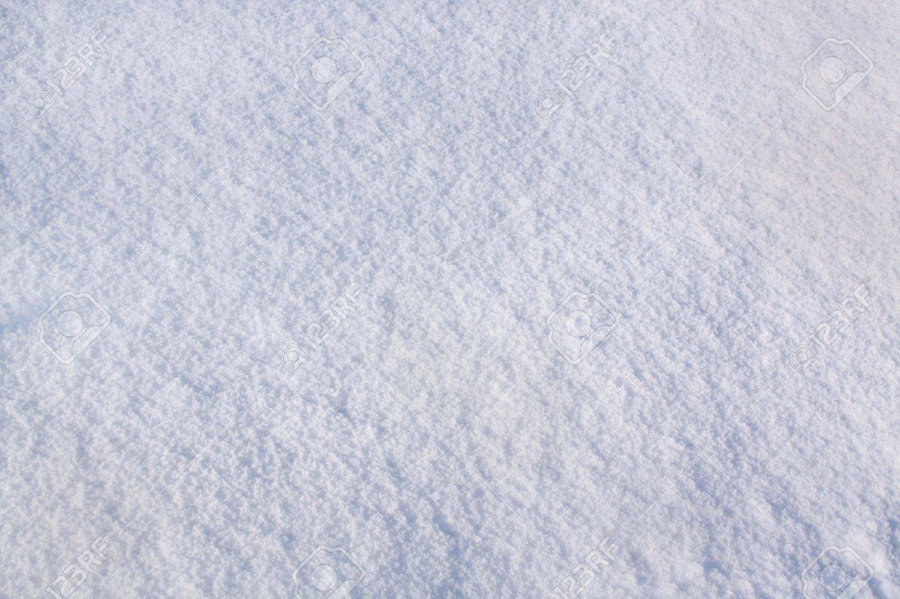 Close-up of snow with crystals - 8486635