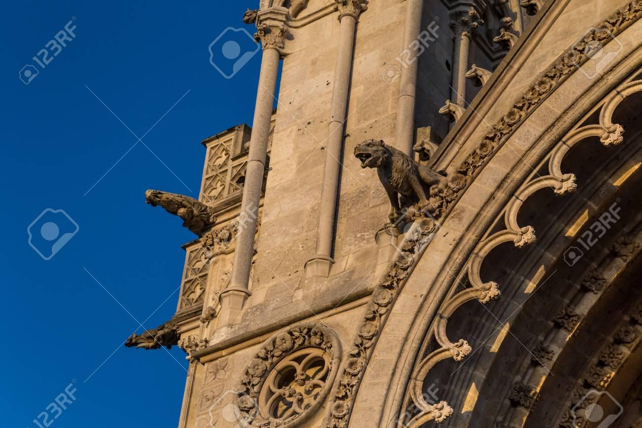 Gargoyles on a gothic cathedral - 115410192