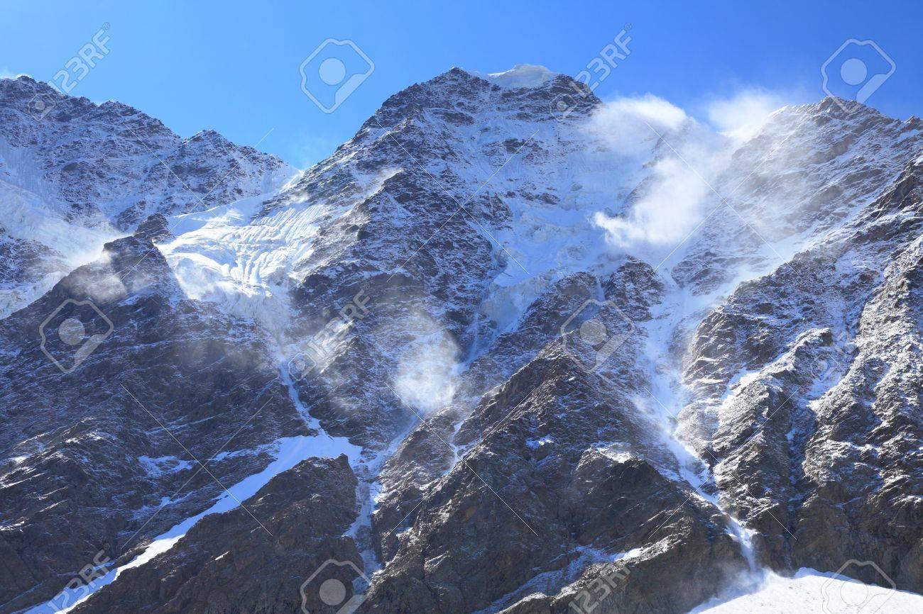Cara Norte Del Monte Nakra Tau El Viento Sopla Fuerte Desde Una Vertiente Opuesta Foto