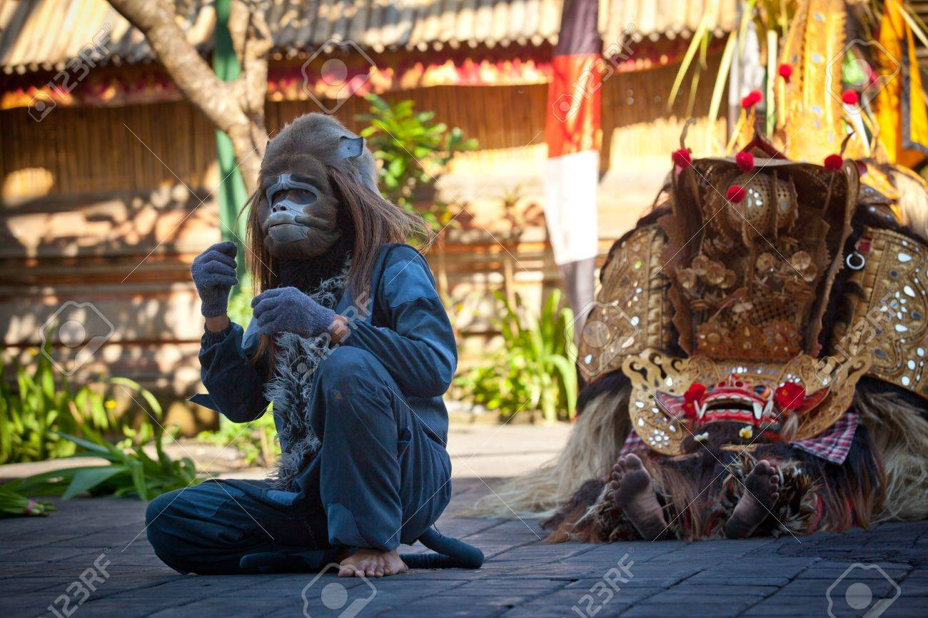BALI, INDONESIA - APRIL 9: Monkey and Barong during a classic national Balinese dance Barong on April 9, 2012 on Bali, Indonesia. Barong is very popular cultural show on Bali. Stock Photo - 13161673